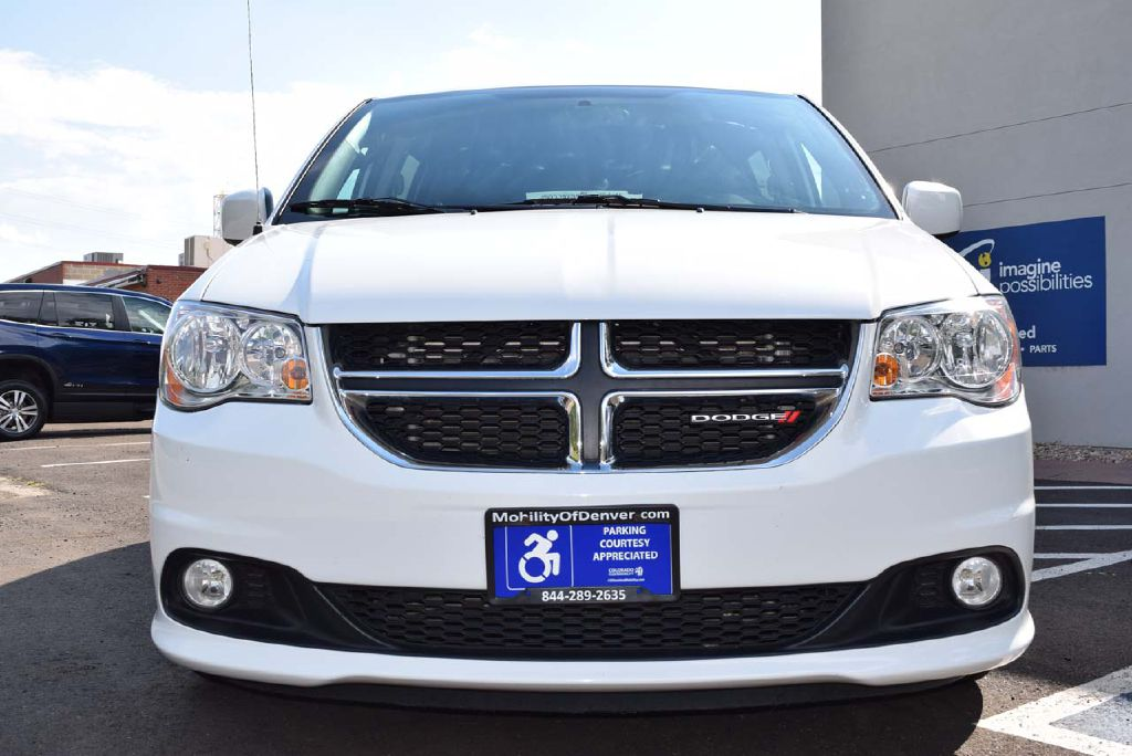 Certified Pre-Owned 2018 Dodge Grand Caravan VMI Verge II SXT