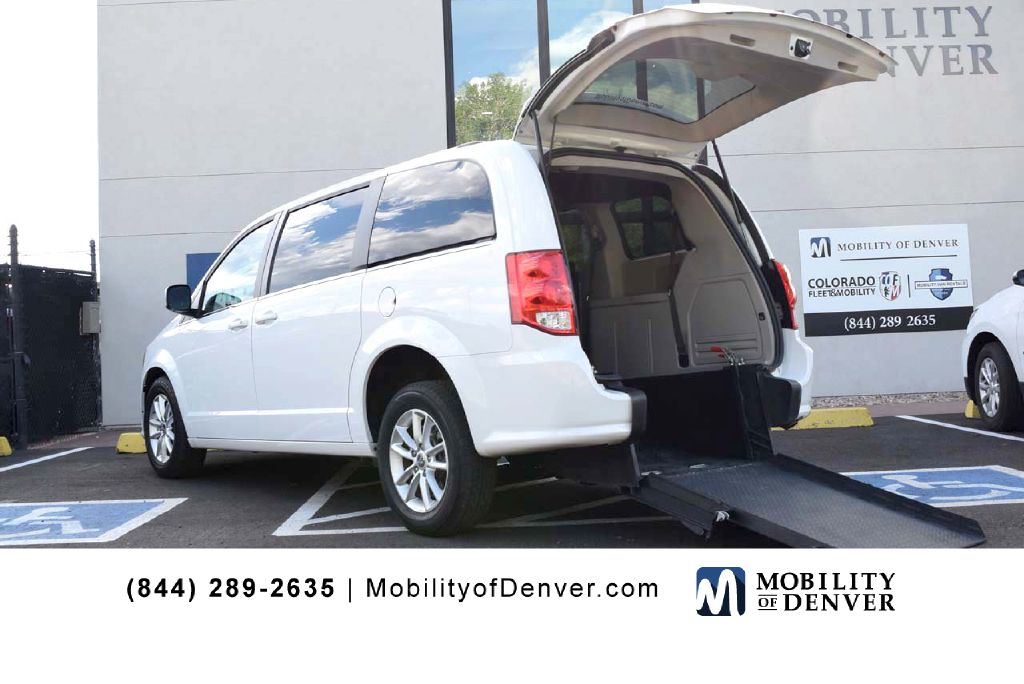 Pre-Owned 2018 Dodge Grand Caravan Rear Entry SXT