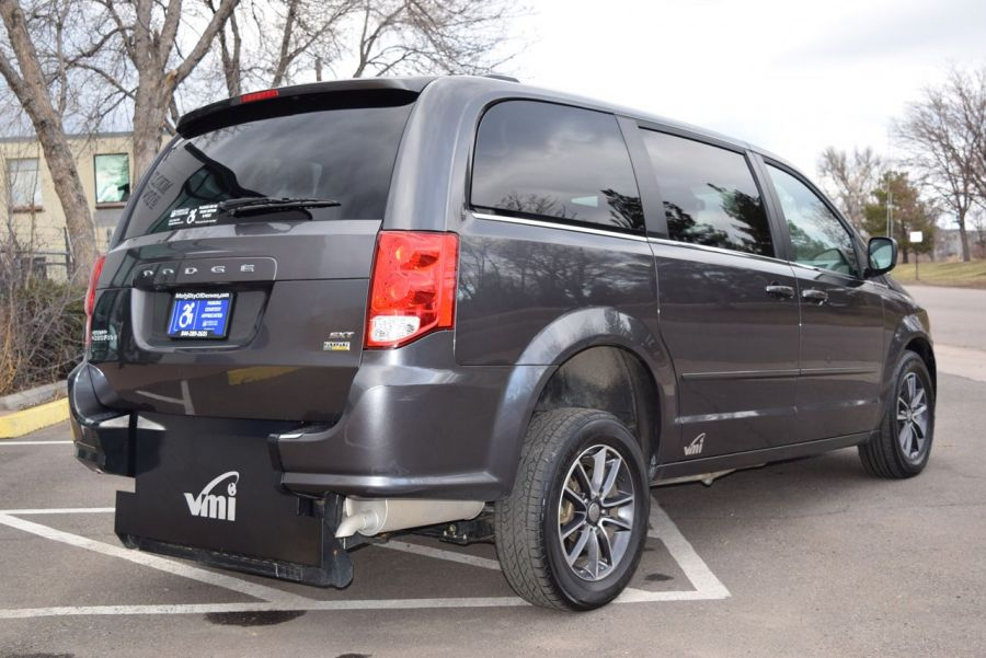 Pre-Owned 2017 Dodge Grand Caravan SXT VMI Verge II E Rear Entry