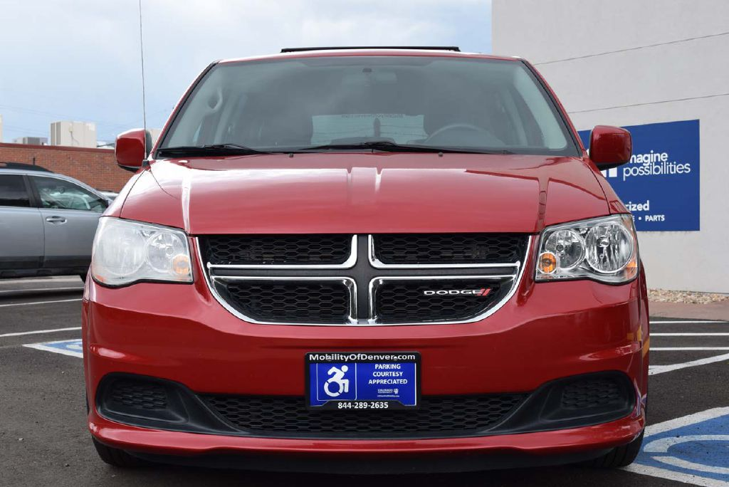 Pre-Owned 2016 Dodge Grand Caravan Rear Entry SXT