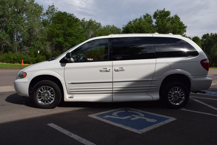 Pre-Owned 2003 Chrysler Town and Country Limited VMI NorthStar Side Entry