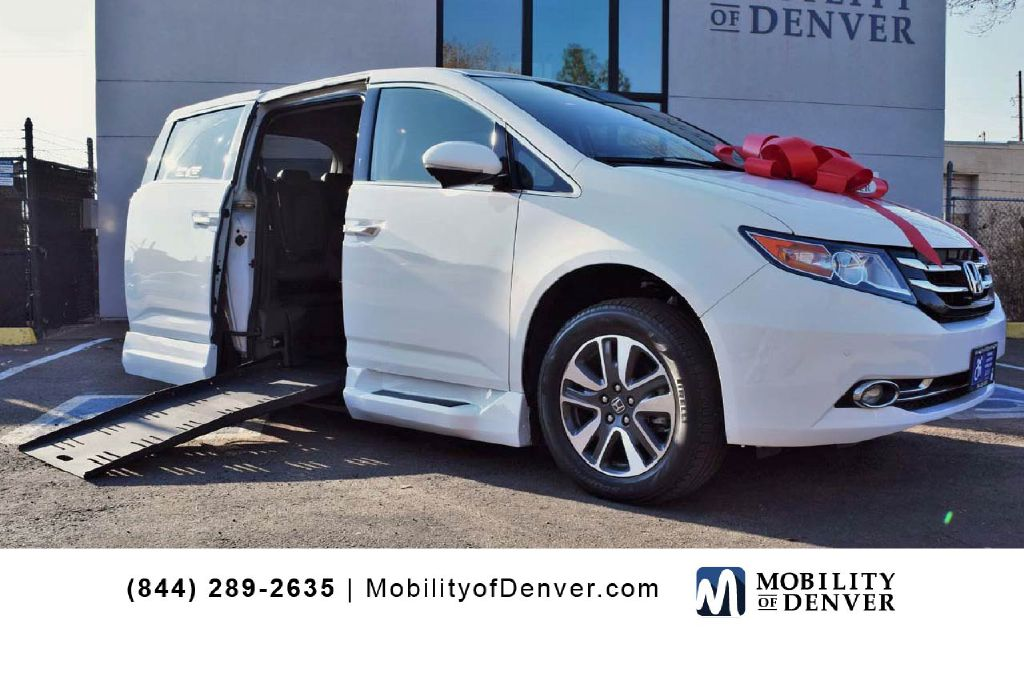 Pre-Owned 2014 Honda Odyssey Braunability Touring