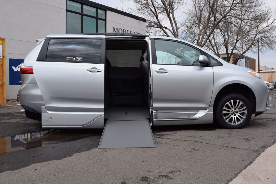 Certified Pre-Owned 2020 Toyota Sienna XLE VMI Northstar Side Entry