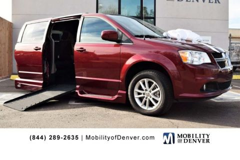 Certified Pre-Owned 2019 Dodge Grand Caravan SXT VMI Summit Side Entry