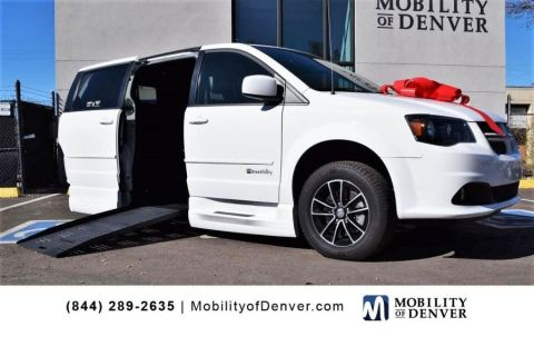Pre-Owned 2017 Dodge Grand Caravan GT Braunability XT Entervan Side Entry